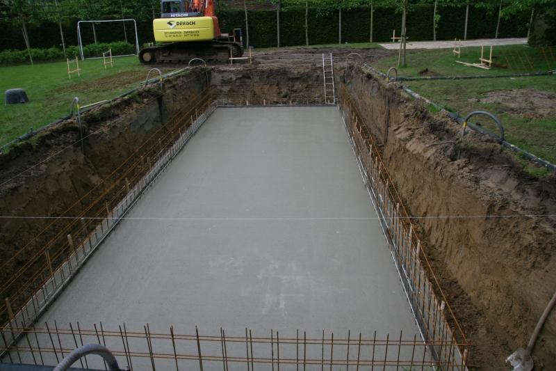 Hoe maken we uw zwembad devisch for Zelf zwembad bouwen betonblokken